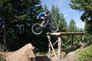 Mountain_biking_obstacles