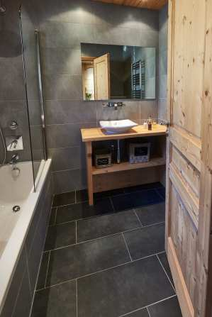 Ensuite bathroom at Chalet Virolet