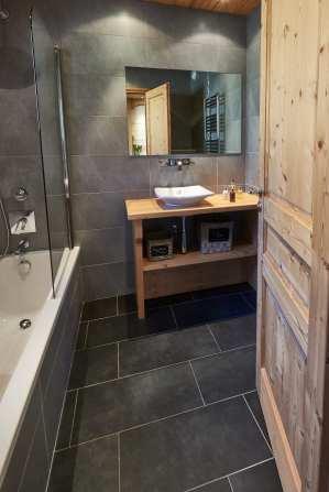Ensuite bathroom at Chalet Virolet